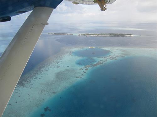モルディブ水上飛行からの空撮