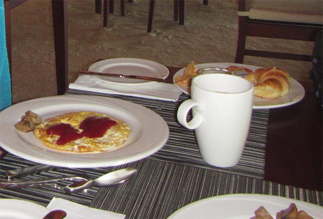 ビーチリゾートの朝食