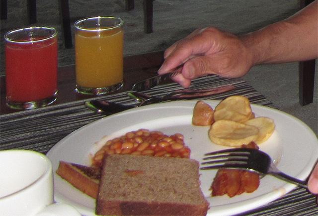 ポークビーンズの朝食
